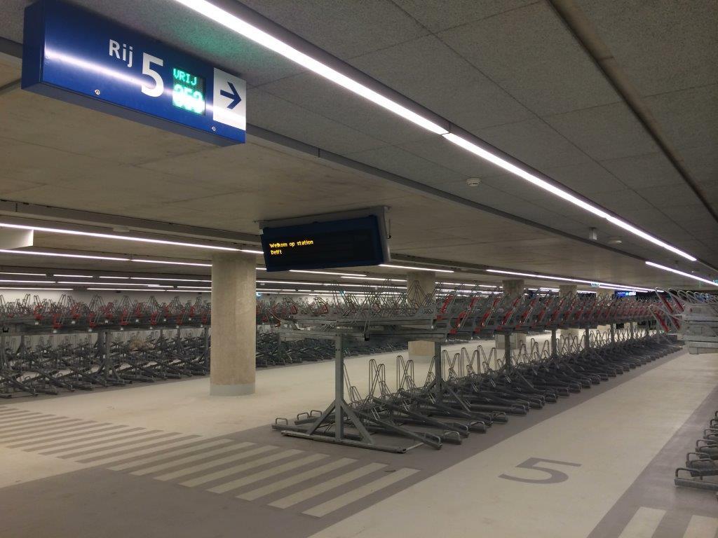 Station delft een project van etaloid verlichtingstechniek bv - Mezzanine verlichting ...