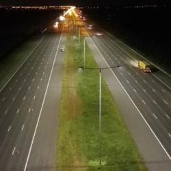 A2 wordt de breedste snelweg ter wereld verlicht met led verlichting van Schréder