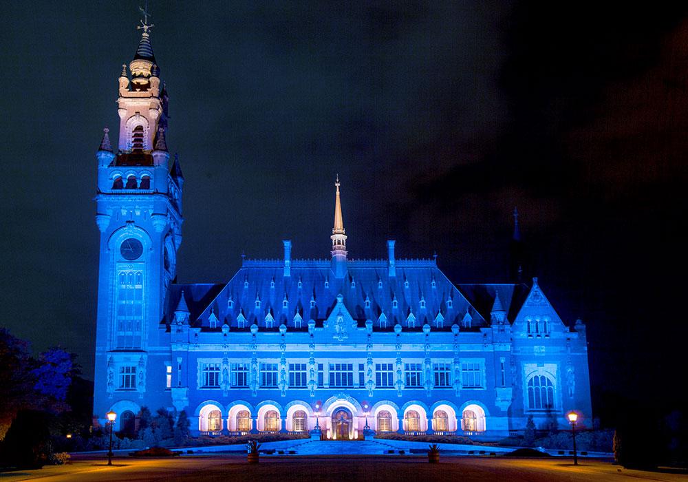 Livingprojects verlicht Vredespaleis, Den Haag