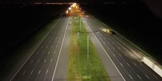 a2 wordt de breedste snelweg ter wereld verlicht met led verlichting van schrder